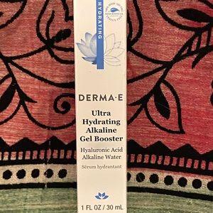 Derma•e Makeup - FREE with Bundle NIB DERMA•E Gel Booster